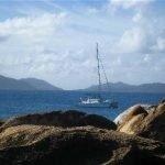 Free Ingwe at anchor