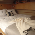 Luxury catamaran for the BVI Lolita queen bed