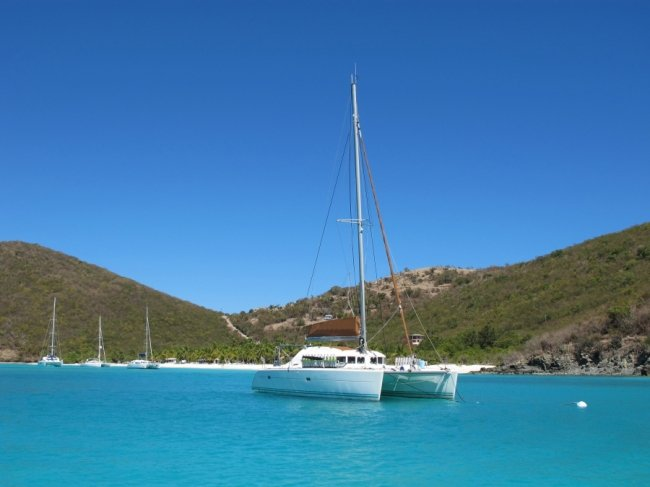Mimbaw - Dive Catamaran for Charter in BVI and Caribbean