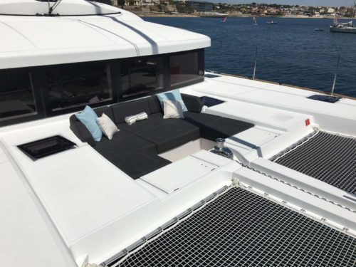 Ventana foredeck seating
